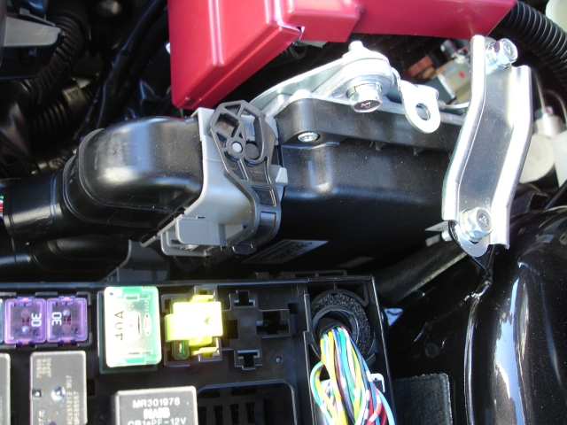 ecm location aem infinity in the engine compartment ) evolutionm Mitsubishi Lancer Fuse Box Diagram at creativeand.co